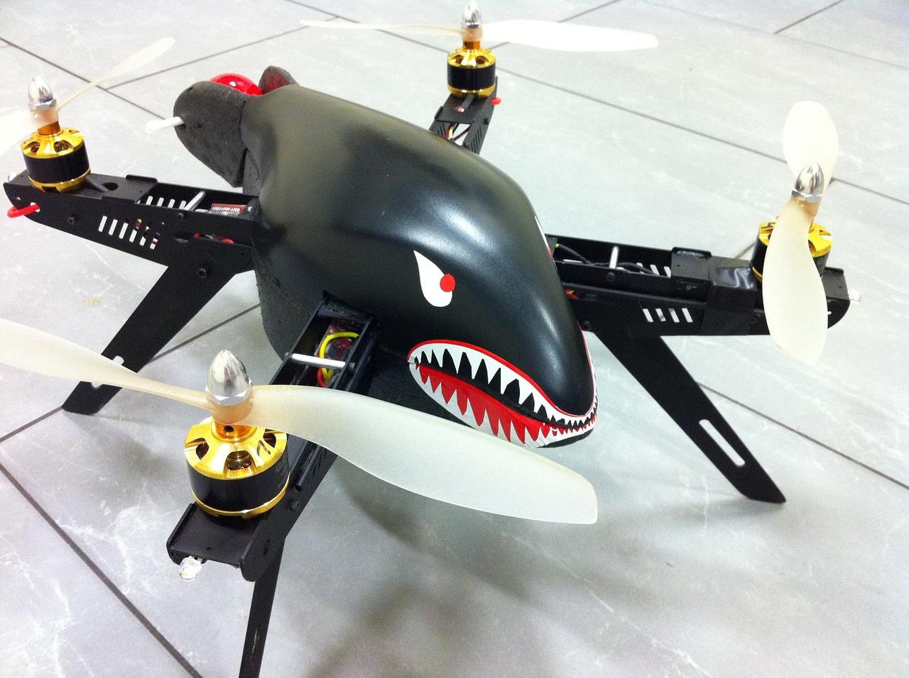 A partir de quel âge a-t-on le droit d'utiliser un drone ?
