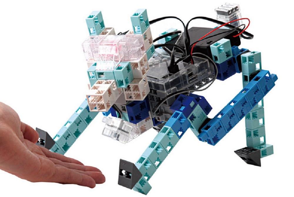 Le succès du robot informatique programmé